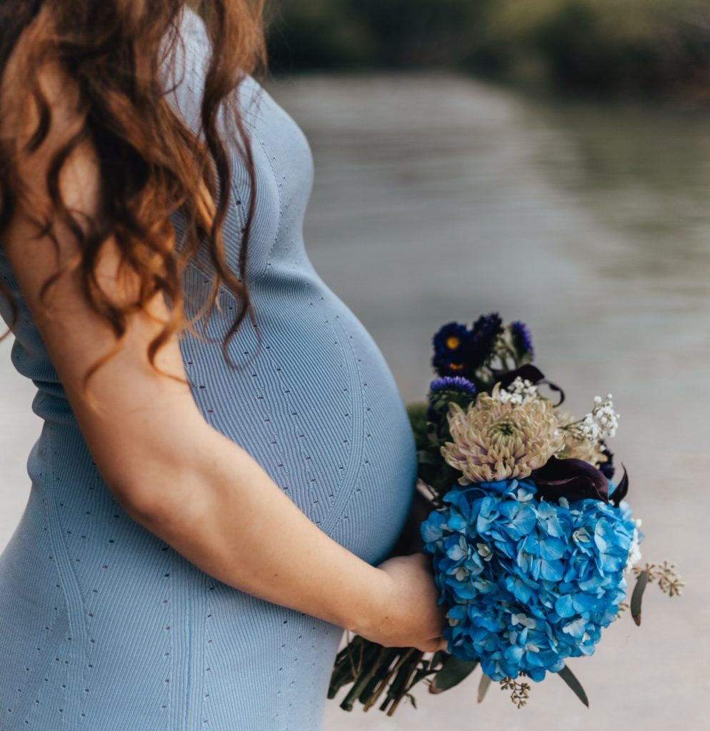 Pregnant Bridesmaid Tips & Advice: Make the Most of Your Experience!